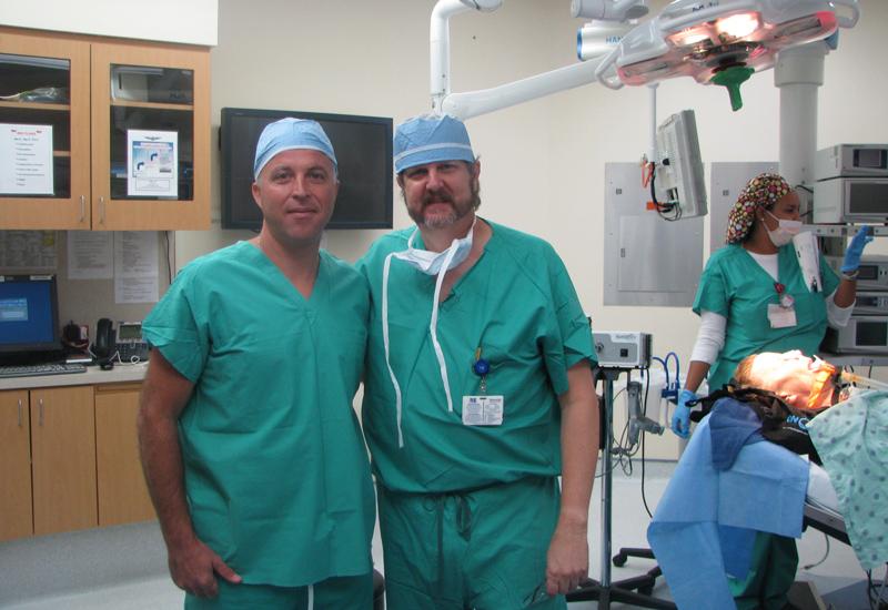 con Dr Richard Davis en el Memorial Hospital Miramar de Florida, Miami USA.