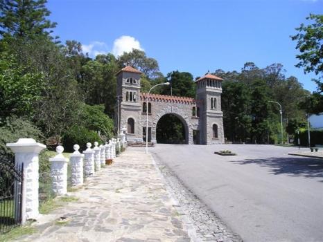 Subida al cerro del Parque Independencia